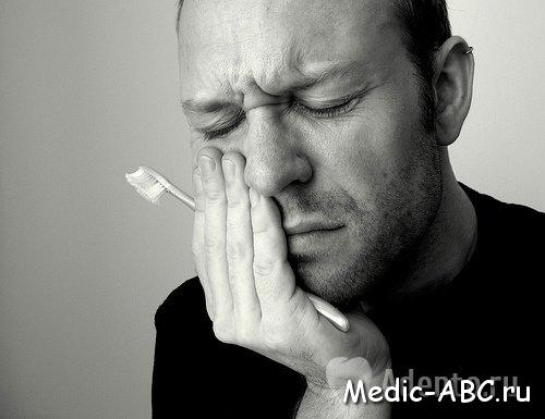 Может ли болеть десна после удаления зуба?