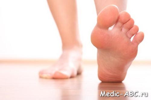 Эти неприятные темные пятна между ног, как от них избавиться?
