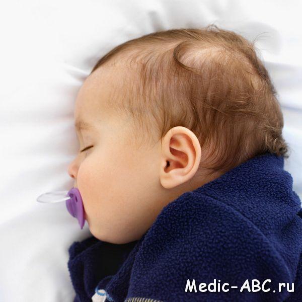 Почему у младенцев потеет голова