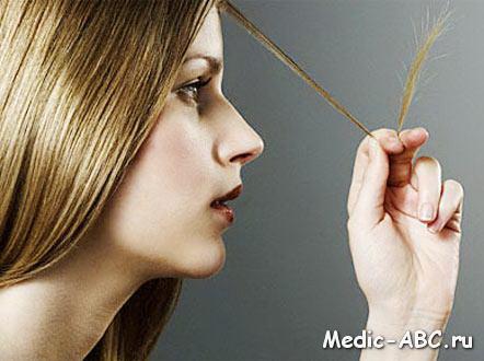 К какому врачу обратиться, если выпадают волосы?