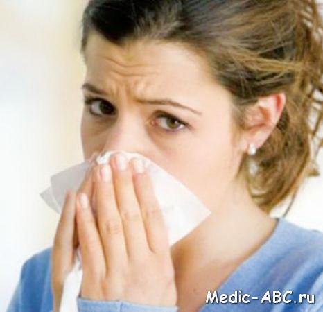 Как лечить простуду во время лактации