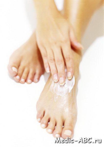 Как лечить трещины на коже