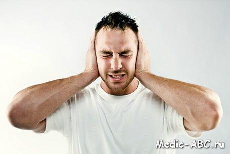 Почему зуд в ушах?